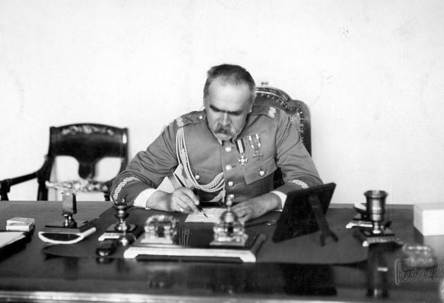 Józef Piłsudski: Ten dziwny szmat ziemi zowie się Śląskiem i żył długo, tak ogromnie długo życiem odrębnym, często zapomnianym przez całą resztę Polski