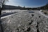 Magiczna Odra w centrum Wrocławia. Rzeka pełna lodowej kry [ZDJĘCIA]