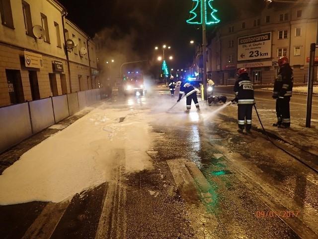 9 stycznia 2017 r. o godzinie 00:43 straż pożarna otrzymała zgłoszenie od dyżurnego Komendy Powiatowej Policji o pożarze ciągnika siodłowego z naczepą przewożącą drób na skrzyżowaniu ulic Wojska Polskiego z Piłsudskiego w Grajewie.