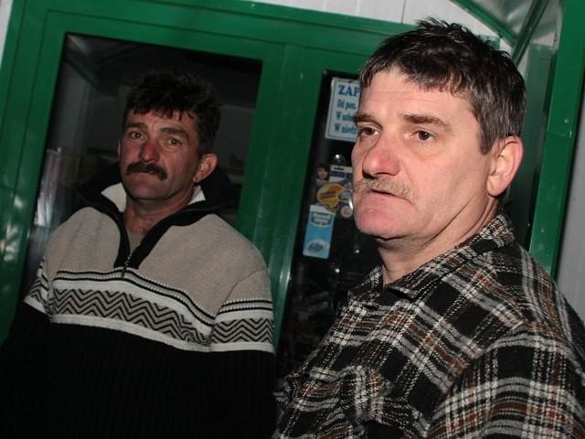 - Zwłoki Genka były poparzone. To był straszny widok - mówią sąsiedzi ofiary Marek Krzyżanowski i Andrzej Sokół.