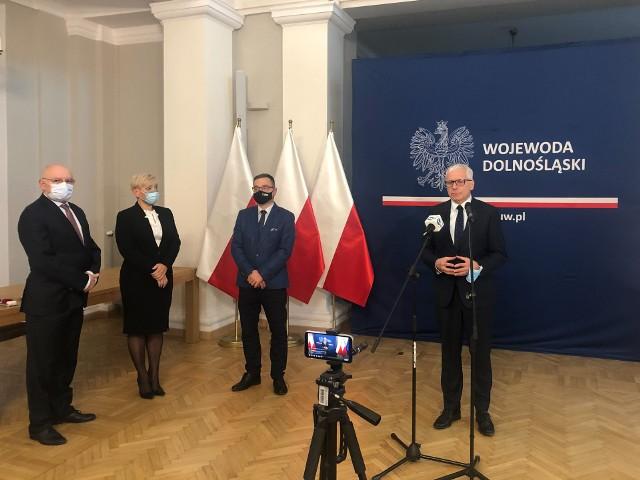 Wzrost zakażeń nabiera tempa. Szpital tymczasowy we Wrocławiu od listopada ponownie otwarty