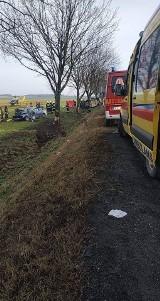 Wypadek pod Wrocławiem. Jedna osoba nie żyje, cztery są ranne. Z aut nie zostało nic