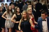 Czy będą bale ósmoklasistów i maturzystów? Nie zatańczą poloneza - koniec szkoły bez bali ósmoklasistów i maturzystów