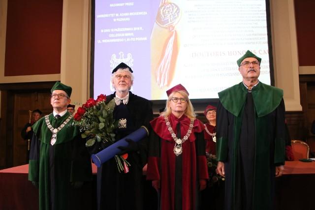 Uniwersytet im. Adama Mickiewicza w Poznaniu włączył do grona doktorów honorowych wybitnego niemieckiego profesora biologii molekularnej.