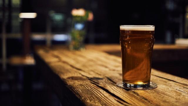Piwo to według części kibiców nieodłączny element oglądania meczów piłkarskich. W 2022 roku w Katarze będzie z tym problematycznie