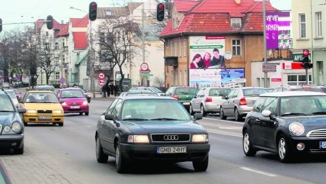 """Rolą ulicy Kolejowej będzie """"obsługa"""" kierowców, którzy poruszać się będą w tzw. Osi Administracji i Biznesu (ma powstać między torami kolejowymi a al. Niepodległości). Jeśli zostanie zrealizowana - zwiększy się intensywność zabudowy i ruchu drogowego na tych terenach."""