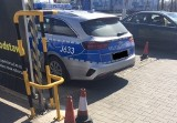 Policjanci blokują myjnie bezdotykowe. Co na to przepisy? Czy można umyć samochód na myjni bezdotykowej?
