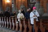 Święcenie pokarmów w Białymstoku. Mieszkańcy ruszyli do kościołów z koszyczkami (zdjęcia)