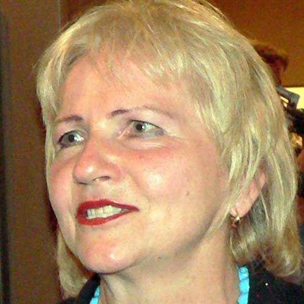 Janina Sagatowska: - Mam prawo jazdy od 1975 roku i często siadam za kierownicą.