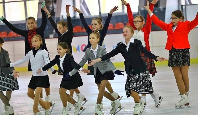 Rodzicom dzieci, które miały ubiegać się o przyjęcie do klas sportowych, nie wystarczają argumenty władz Łodzi, przekazywane w związku z anulowaniem w mieście naboru do takich oddziałów.>>> Czytaj dalej na następnym slajdzie >>>