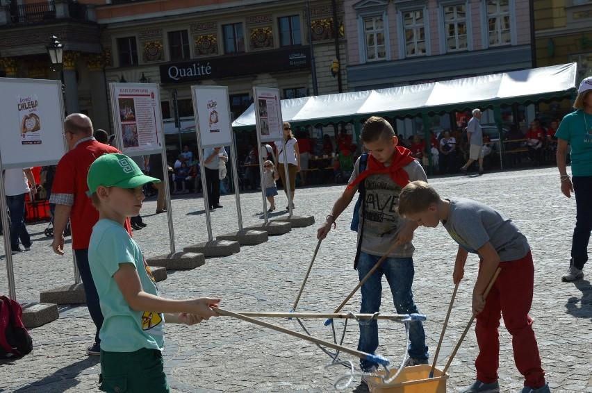 Wrocław: Dni Kromki Chleba. Pomagają potrzebującym (FOTO)
