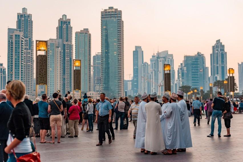 Dubaj walczy z potwornymi upałami: drony rażą chmury prądem, co wywołuje opady deszczu