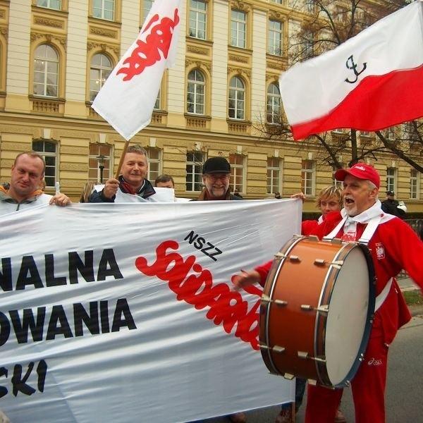 Nauczycielskiemu protestowi przewodził Piotr Pakosz.