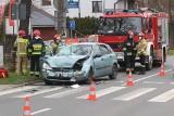 Wypadek na Kochanowskiego. Trzy osoby ranne, w ręce butelka wódki [ZDJĘCIA]