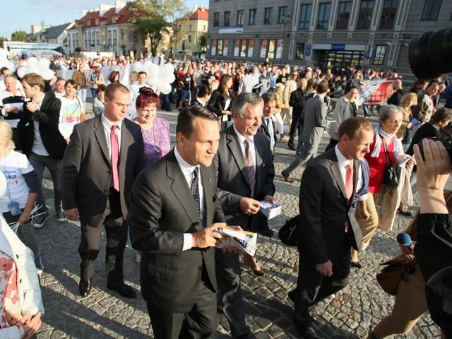 Radosław Sikorski na Rynku Kościuszki w Białymstoku
