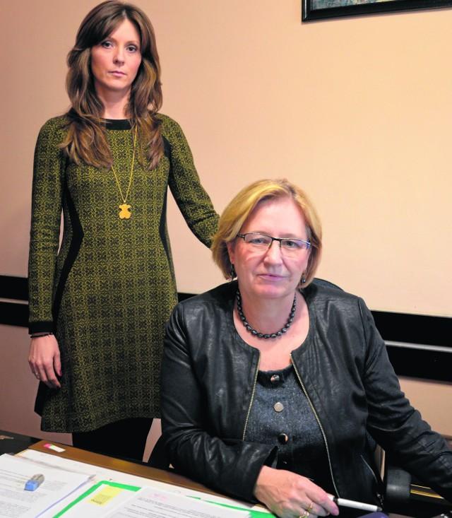 Marianna Zygmunt (z prawej) skarbnikiem była przez ćwierć wieku. Teraz zastąpi ją córka, Aleksandra Bartkowiak (z lewej)