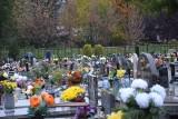 Kwiaty ozdobią miejsca pamięci w Świętochłowicach. Tak miasto wspomoże lokalnych sprzedawców
