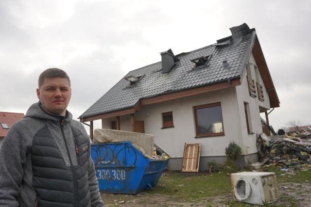Rodzina Pawlaków z Czołowa w ubiegłą sobotę w wyniku pożaru straciła swój dom i cały dobytek. Dzięki pomocy sąsiadów i najbliższych udało się w ciągu kilku dni zebrać ponad 170 tys. zł na nowy dom. Zbiórka wciąż trwa.
