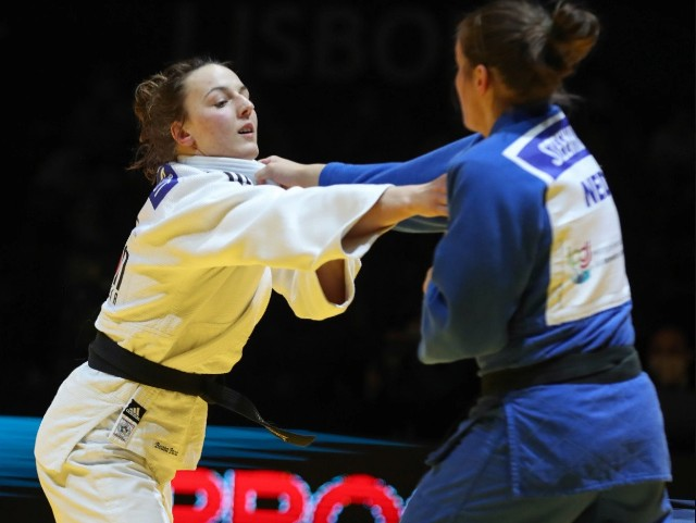 Beata Pacut została w Lizbonie mistrzynią Europy. W finale ME wagi do 78 kg pokonała Holenderkę Guusje SteenhuisZobacz kolejne zdjęcia. Przesuwaj zdjęcia w prawo - naciśnij strzałkę lub przycisk NASTĘPNE