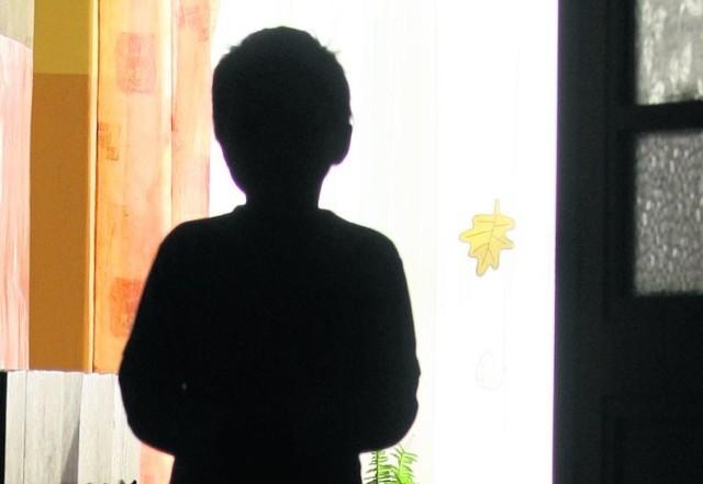 Dzieci, które wchodzą w konflikt z prawem nie są z natury złe.  Są  zaniedbane przez rodziny, środowisko, rówieśników.