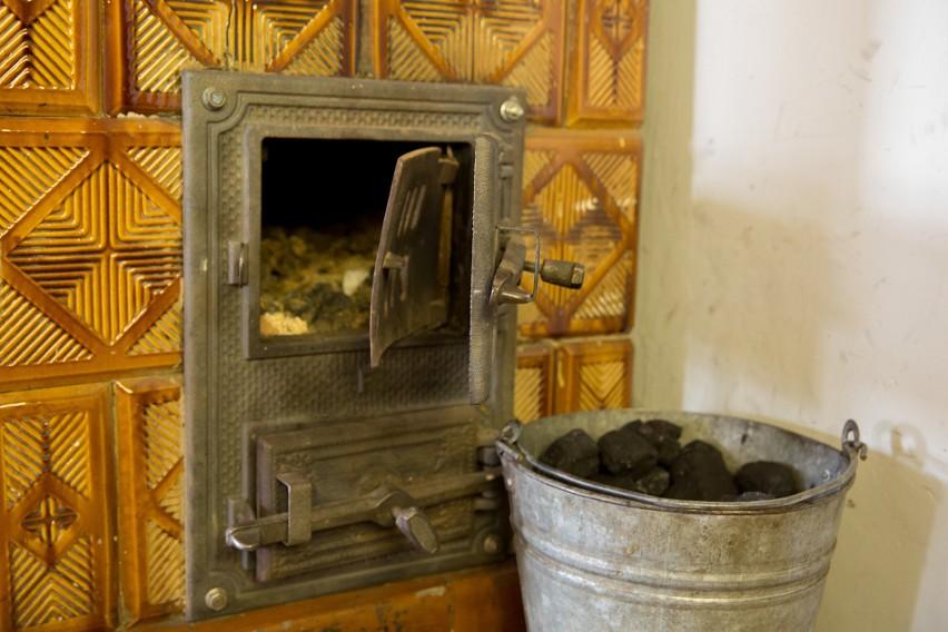 Spalanie węgla w domowych kotłach to jedna z głównych...