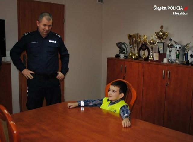 Olek marzy by być policjantem. Policjanci z Myszkowa spełnili jego marzenie