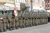 80 nowych oficerów mianowano na Rynku we Wrocławiu (ZDJĘCIA)