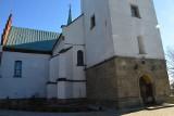 Myślenice. Przy kościele parafialnym doszło do aktu wandalizmu. Uszkodzona została płyta z epitafium [ZDJĘCIA]