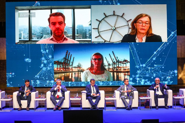 Trwa 8 Kongres Morski w Szczecinie. Obecni są przedstawiciele Ministerstwa Infrastruktury, portów europejskich, banków i organizacji związanych z gospodarką morską.