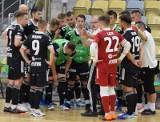 Ci gracze Dremana Opole Komprachcice i Fit-Morning Gredara Brzeg łączą rywalizację w Statscore Ekstraklasie Futsalu z grą na trawie