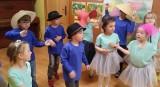 Międzyprzedszkolny Przegląd Twórczości Majki Jeżowskiej w Przedszkolu numer 3 w Sandomierzu. Zobacz piękny film z prezentacji