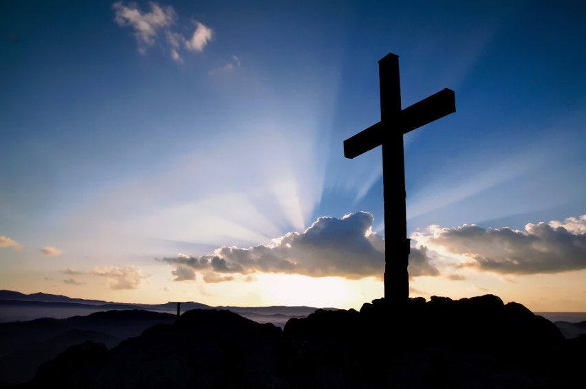Główny symbol chrześcijaństwa, w wersji składającej się...