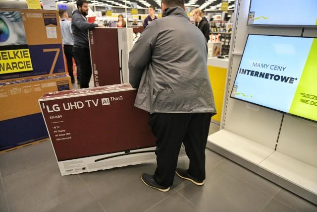 Na kogo polują kontrolerzy? Na osoby, które kupiły telewizor, ale go nie zarejestrowały. Trzeba się liczyć z karą wynoszącą równowartość 30-miesięcznych abonamentów, czyli 681 zł.