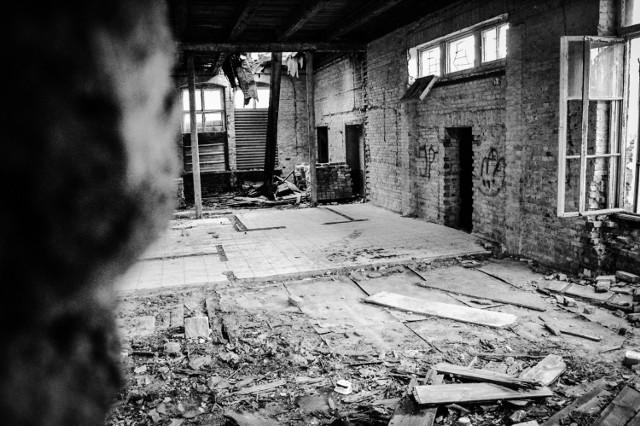 Jak wygląda od środka budynek dawnego kina Tęcza w Kwidzynie? Zobacz więcej zdjęć dawnego kina Tęcza: Kino Tęcza w Kwidzynie. Sprawdziliśmy, jak budynek wygląda od środka! [ZOBACZCIE ZDJĘCIA] ;nf