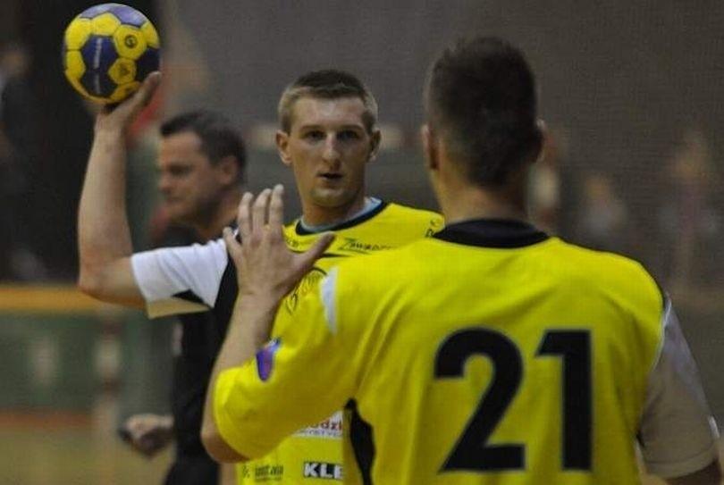Mariusz Kalisz zdobył cztery bramki.