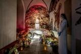 Groby Pańskie w poznańskich kościołach - adoracja tylko dla nielicznych [ZDJĘCIA]