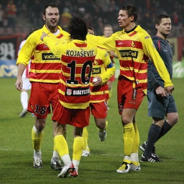 Ensar Arifović (z lewej) strzelił bramkę w najładniejszej akcji meczu