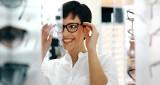 Okulary kupujemy coraz częściej... przez Internet!