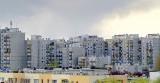 Które piętro wybrać podczas zakupu mieszkania? Plusy i minusy parteru, pośrednich pięter i poddasza