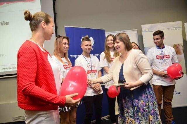 """przyznano wyróżnienia licealistom z Wielkopolski, którzy brali udział w kampanii """"Drugie życie"""". To już siódma edycja tej szczytnej akcji"""