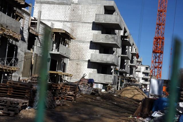 Nowe mieszkania Kredyty hipoteczne tanieją. W tym miesiącu Rada Polityki Pieniężnej po raz piąty z rzędu obniżyła stopy procentowe. Przedstawiamy ranking najciekawszych propozycji kredytów mieszkaniowych.