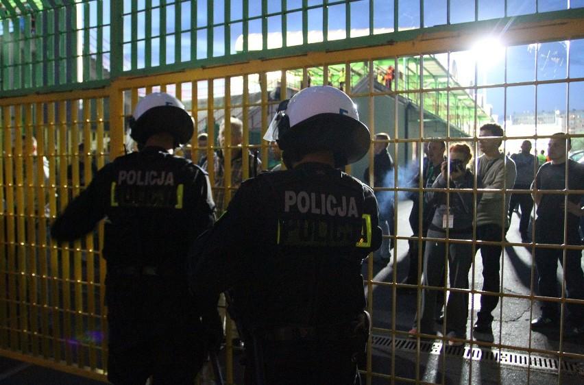 Po meczuz GKS Katowice, policjanci przeprowadzili pokazową...