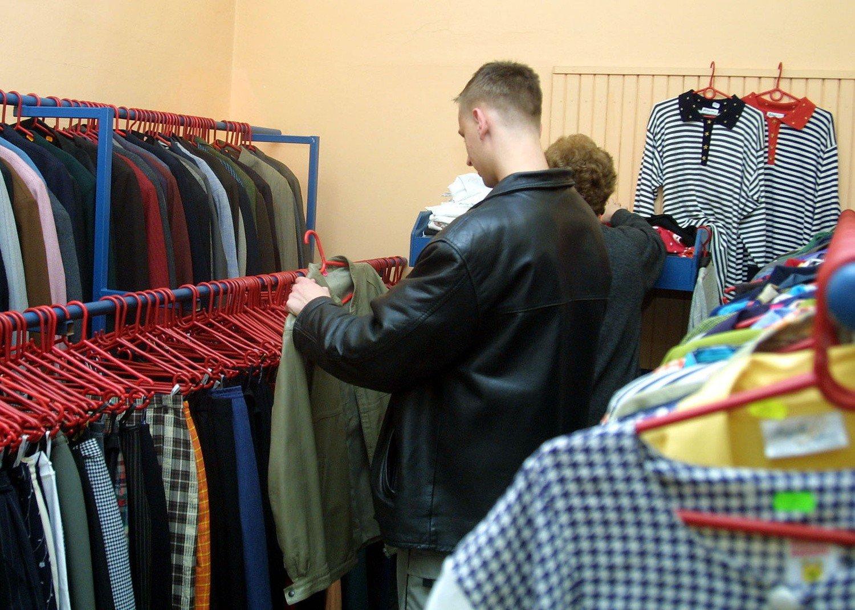 a0a7809fd2 Sklepy z tanią odzieżą mają swoich stałych i wiernych klientów.