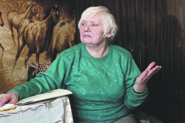 Jak starą, samotną kobietę można tak wyrzucać? - mówi Danuta Gutowska. Wpadła w kłopoty, bo nie dopełniła formalności w ZMK. Na szczęście, sprawa została wyjaśniona i lokatorka zostaje w mieszkaniu komunalnym.