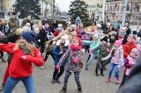 WOŚP w pulsującym rytmie Włocławka. Tancerki ze Szkoły Tańca Puls rozgrzewały zgromadzonych [zdjęcia]