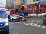 Wypadek na Strzegomskiej. Zderzenie dwóch aut, jedna osoba ranna (ZDJĘCIA)