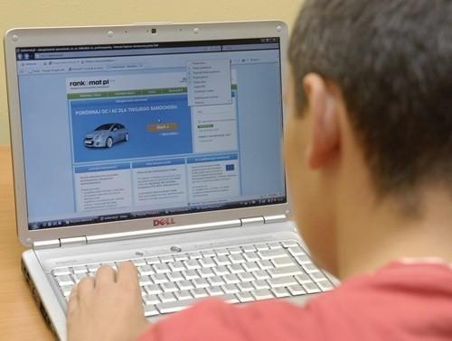 Internet umożliwia wybór najkorzystniejszego ubezpieczenia OC i AC
