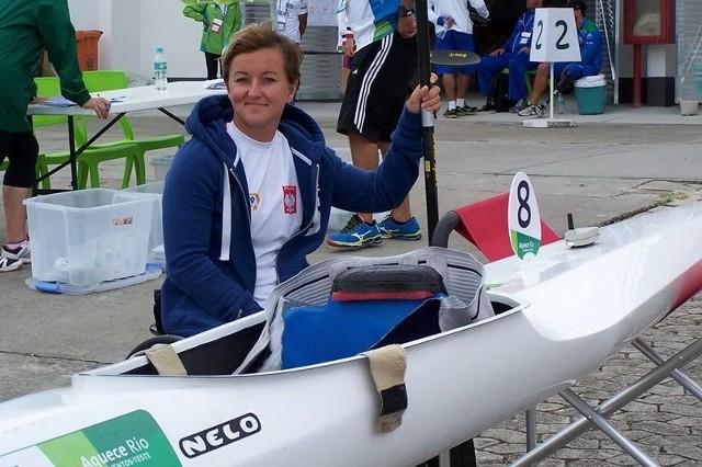 Mamy kolejny medal! W finale Igrzysk Paraolimpijskich w Rio de Janeiro w parakajakarstwie Kamila Kubas zdobyła brązowy medal.W konkurencji KL1 na dystansie 200 m uzyskała czas 1:00,232. Mistrzynią paraolimpijską została Janette Hippington (GBR) 0:58,874. Kamila Kubas będąc pełnosprawną kajakarką odnosiła swoje pierwsze sukcesy. Niestety wypadek spowodował, że musiała przesiąść się na wózek inwalidzki. Po wielu latach powróciła do swojej ukochanej dyscypliny sportowej i z wielkim zapałem i wytrwałością podjęła się nowego wyzwania traktując parakajakarstwo bardzo profesjonalnie. Jak widać są tego efekty.