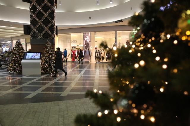 Nie chcemy nadmiernie oszczędzać na prezentach. Ich koszt będzie średnio o 8 proc. niższy niż w ubiegłym roku, a upominki będą stanowiły ponad 50 proc. świątecznego koszyka.
