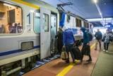 Awaria na dworcu Poznań Główny usunięta, ale wielu pasażerów utknęło w pociągach na stacjach koło Poznania